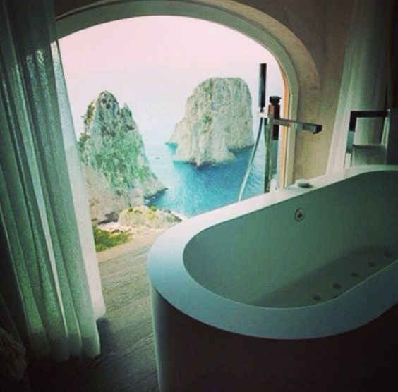 Hotel punta tragara in Napoli