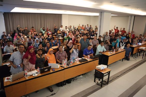 Komunitas Abdi Akademi Bisnis Digital Komunitas Abdi Surabaya Surabaya Marketing Makassar