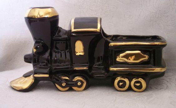 FAPCO Fredericksburg Art Pottery Locomotive Planter - Glossy Jet Black w/Gold Trim