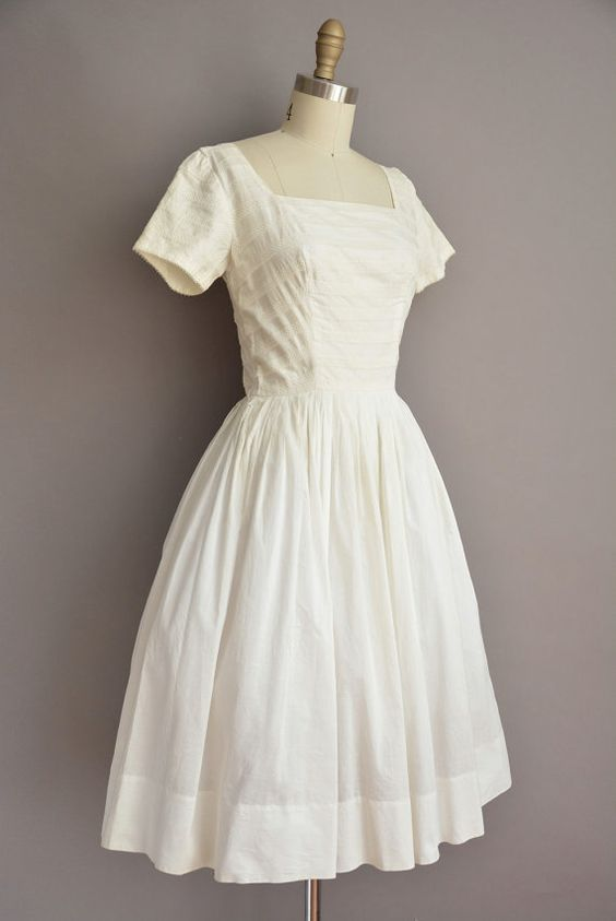 50s white cotton Tailored Junior full skirt by simplicityisbliss