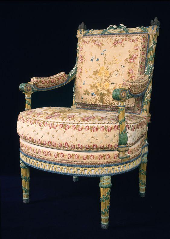 Fauteuil la reine du mobilier aux pis de la chambre for Meuble xviii