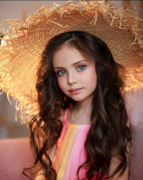 ليزا توماتشوفا من روسيا طفلة جميلة احلى الصور للاطفال الصغار صور اطفال In 2021 Beautiful People Beautiful Children Women