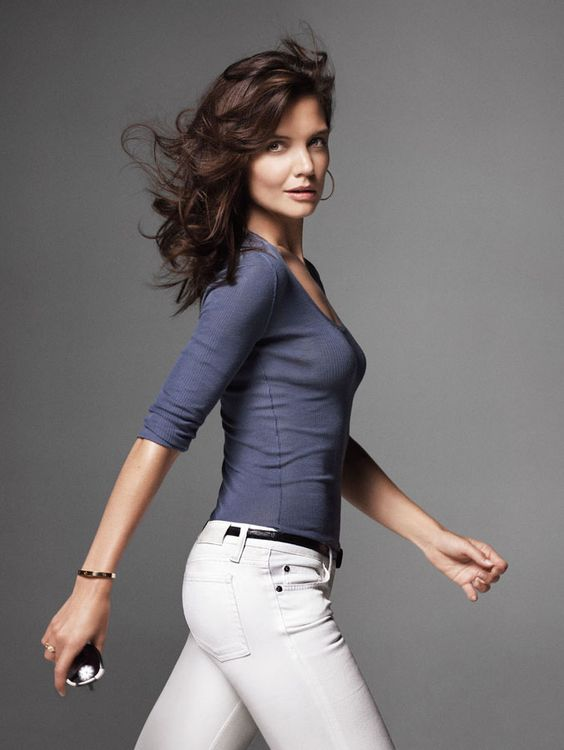 Great hair, natural, effortless.  Katie Holmes by Mark Seliger