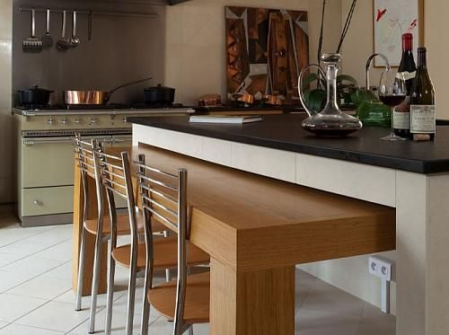 Lot de cuisine avec table int gr e cuisines pinterest for Buffet avec table integree