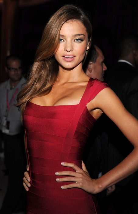 fashionable ladies like miranda kerr in herve leger