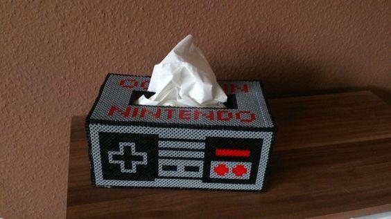 Taschentuchbox Nintendo NES-Controller aus Hama Bügelperlen -  ein Designerstück von Jeanna87 bei DaWanda