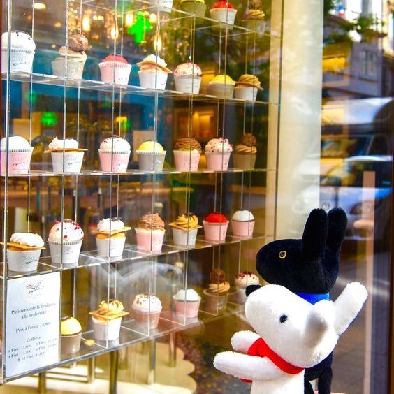 7/18今日のリサとガスパール http://parismag.jp/ #甘い誘惑? #カップケーキ #gâteau #Sucreries #PARISmag #paris #パリ #France #フランス #パリの住人 #リサとガスパール #GaspardetLisa #가스파드앤리사 #가스파드