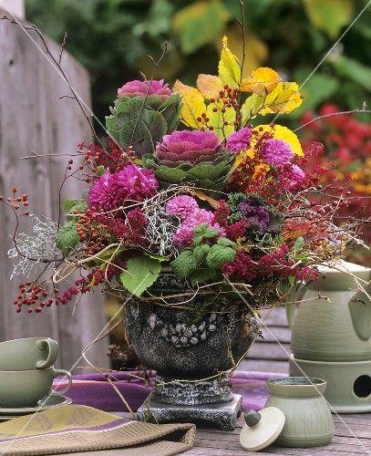 Herbstlicher Blumenstrauss mit Zierkohl  boeketten