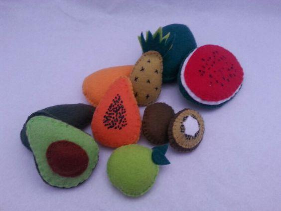 Frutas em feltro - Prova Piagetiana: inclusão de classes.