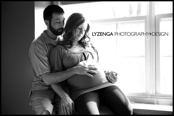 http://www.lyzengaphotography.com/2012/03/30/baby-p-grand-rapids-maternity-photography/