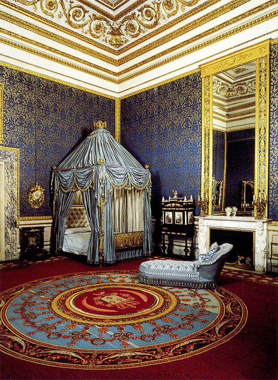 Queen's bedroom, Royal Apartments, Palazzo Pitti, Florence, Tuscany, Italy