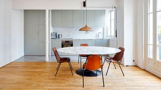 Compact appartement in Parijs met marmeren eettafel