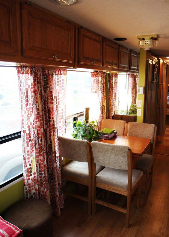 17_Dining Area.jpg