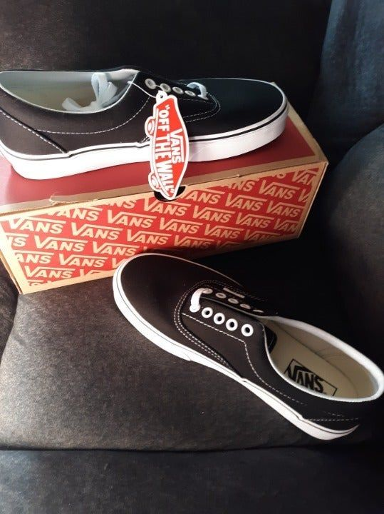 Size 8.5 in womens. | Vans shoes
