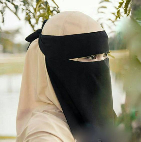 muslim single women in ebony Find muslim woman stock images in hd and millions of other royalty-free stock photos, illustrations,  attractive muslim woman on black background.