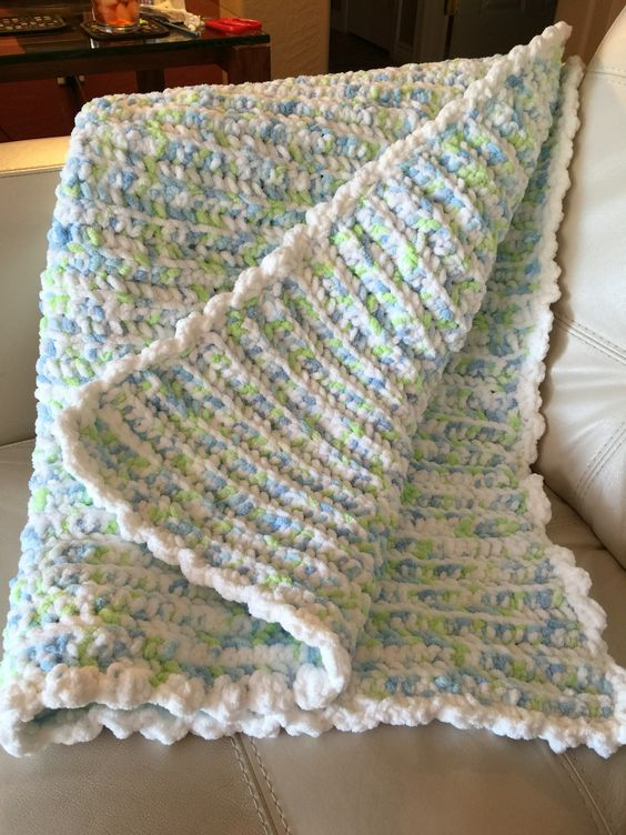 Crocheted baby quilt with Bernat baby blanket yarn ...