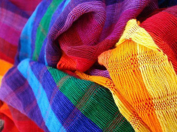 Decoración - telas de colores...conoce #mexico y #viajadiferente #eldiaqueviaje @todotrips.com