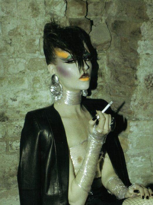 stardustcasino: Sara Blomqvist by Steven Meisel for #Vogue #Italia, June #2009 (pin via Eve Stillnostyle)