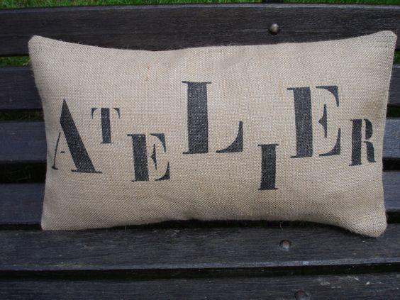 """Coussin en toile de jute """"ATELIER"""" : Textiles et tapis par lodeker"""