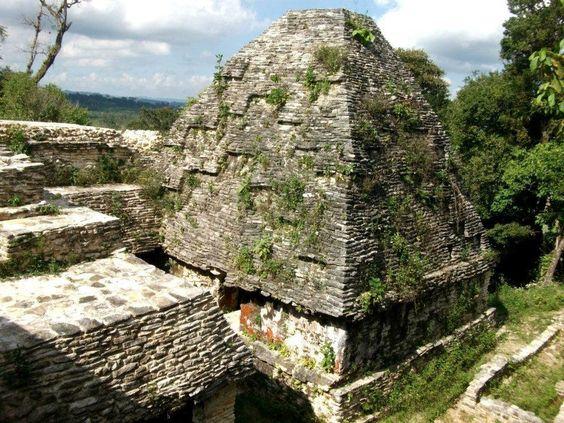 Zona Arqueologica Plan de Ayutla, Chiapas, México