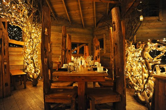 does this make anyone else think of Riverdale and the elves from LOTR?? haha ok no but really tho this treetop dining area is sooo dreamy