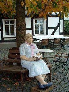 Lesen ist schön! (Foto: virginia43, www.pixelio.de)