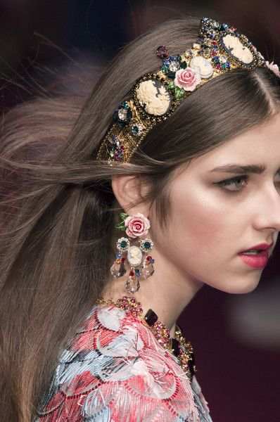 How to upcycle old and broken jewelry. #DIY #crafts #boho Making things with old jewelry,  broken jewelry crafts, diy boho, diy bohemian jewelry,  craft ideas with jewelry,  art made from old jewelry,  how to make vintage jewelry,  how to make vintage jewelry art,  items made from old jewelry,  how to update old jewelry Dolce & Gabbana at Milan Fashion Week Spring 2018 - Details Runway Photos