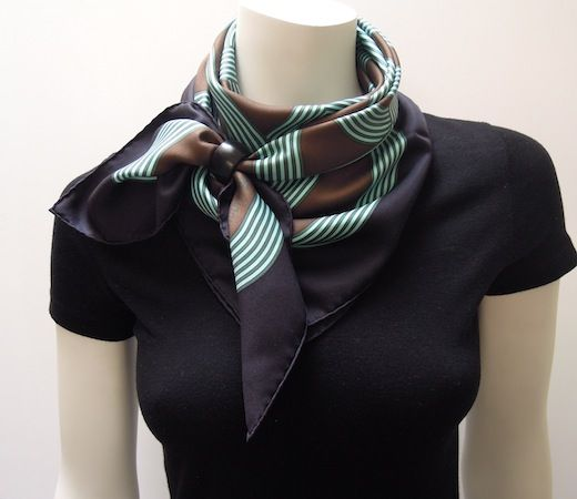 MaiTai's Picture Book: Anneau Infinity scarf ring - Can I use a napkin holder?