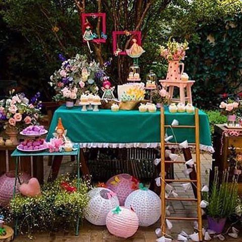 Bom dia com esse festa linda: Jardim de Fadas, por @danivinas.   #kikidsparty