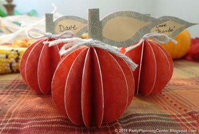 Free Printable 3D Pumpkin Place Card Decorations
