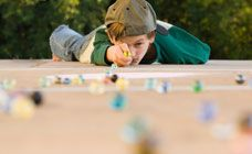 How to play marbles: Camp Afterschool Ideas, Activities For Kids, Kids Stuff, Kids Playing, Youth Group Game, Play Marbles