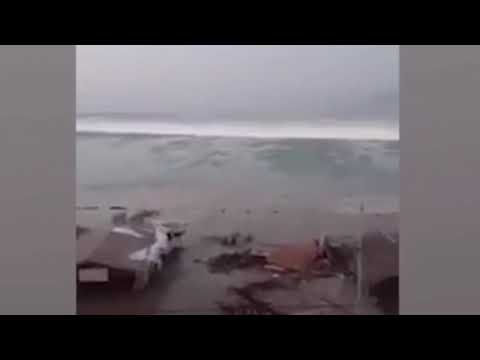 LARGE TSUNAMI WAVE After Large 7.7 Earthquake in Indonesia