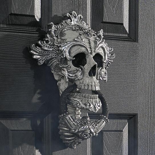 Pinterest • The world's catalog of ideas ~ 003642_Halloween Door Knocker
