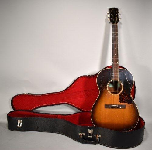 Guitar Acoustique Musicians In 2020 Vintage Guitars Acoustic Vintage Guitars For Sale Vintage Guitars