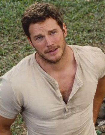 """Which """"Jurassic Park"""" Leading Man Should You Hook Up With?You got: Chris Pratt Dad bod or super hero bod, it doesn't matter. You're turned on by bad-ass guys like Owen Grad. He's a strong, dominant guy, but he's got a heart as big as his biceps. Regulation hottie!"""