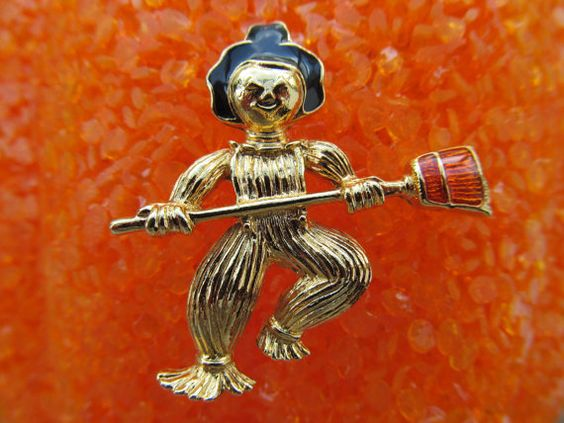 Scarecrow Brooch vintage 1990s by lolatrail on Etsy, $5.00