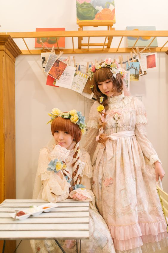 victorianme-here-are-our-outfits-for-a-lolita