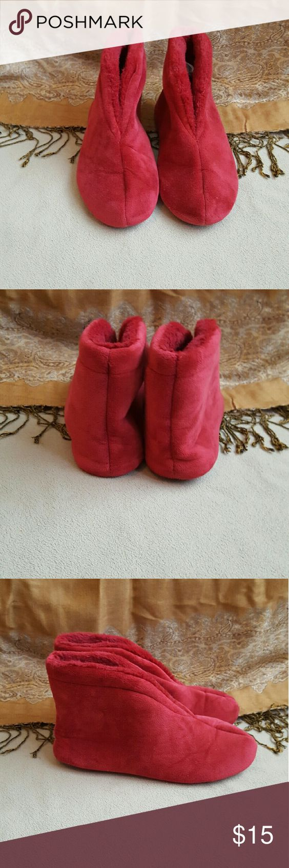 Slippers Soft comfy slippers. EUC Shoes Slippers