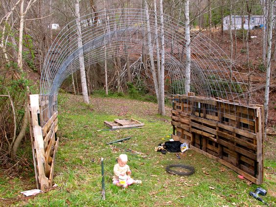Wood Atv Shelter : How to make a quick shelter out of pallets pallet walls