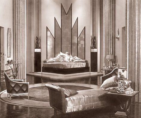 Love how this room combines the angled mirrors with the curves of the day bed. Want to do something like that with the set