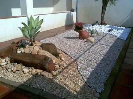 Resultado de imagem para pedras para jardim