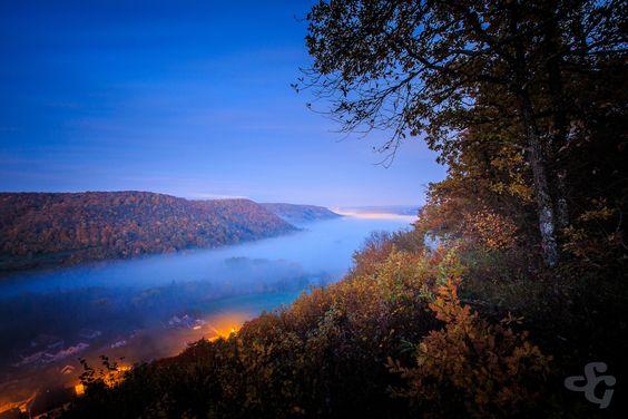 https://flic.kr/p/Atx8f6 | Mariage de l'automne et de l'heure bleue | Depuis le belvédère de la Thuyère