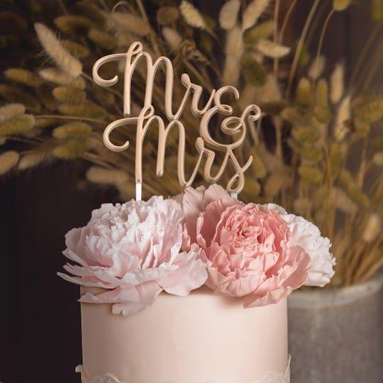 Lillian Rose Gold Mr Mrs Wedding Cake Topper Wedding Cake Toppers Cool Wedding Cakes Romantic Wedding Cake