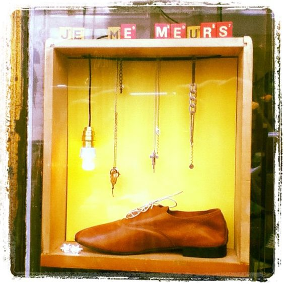 'Je me meurs' widow of our mens shop :-) #mens #derbies #anniel #webstagram