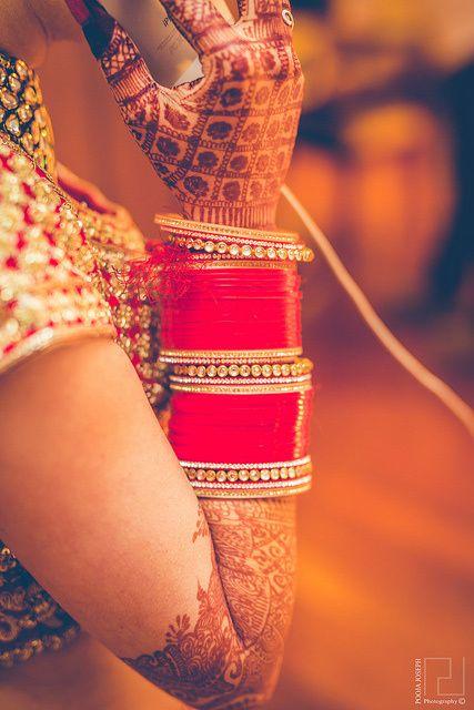Sumedha & Prateek Wedding Photo - via WedMeGood