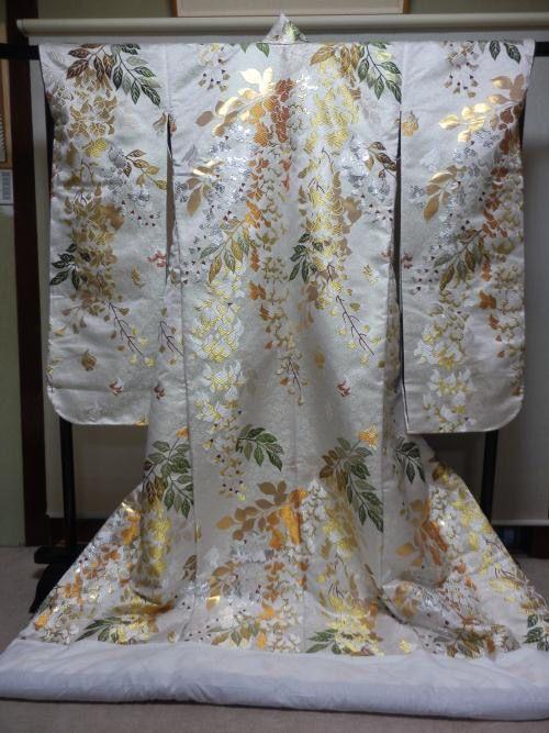 弊社の製造した打掛。 http://www.yasuhira.net