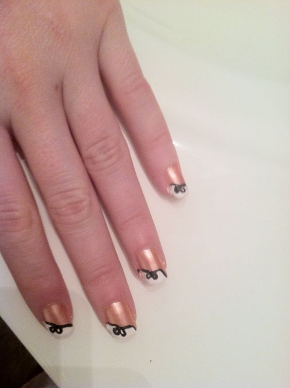 my bow manicure!!