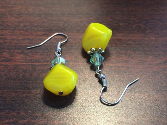 Fall collection. Yellow and Green Dangle Earrings.  * * #etsy #yellow #cbymarigold #creationsbymarigold #marigoldcreations #fall #autumn #unique #homemade #handmade #earrings