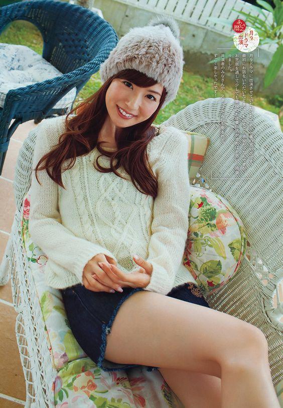 暖かそうな帽子をかぶっている皆藤愛子