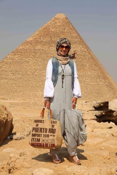 Marwa ElBoghdady hijab fashion  http://www.justtrendygirls.com/marwa-elboghdady-hijab-fashion/: